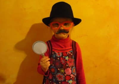 A Treasure Hunt - product detective costume kit