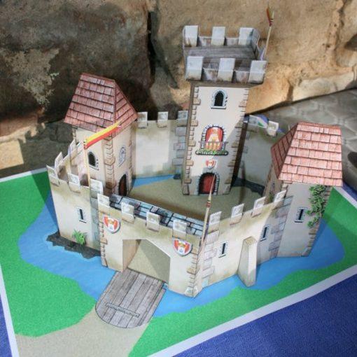 A Treasure Hunt - Princess and Knight - 3D Castle