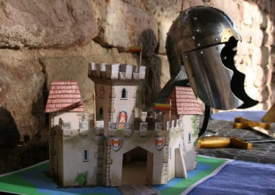 A Treasure Hunt - Princess and Knight - 3D Castle to build