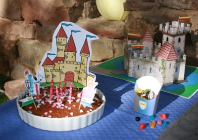 A Treasure Hunt - Princess and Knight - Cake decoration
